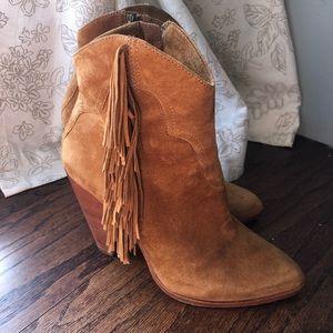 Frye Remy short boot 8.5